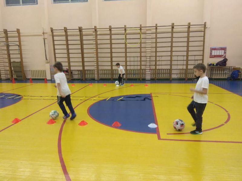 Уроки футбола на физкультуре – миф или реальность?